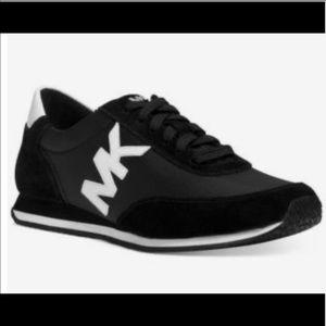 Michael Kors Black/White Sneaker 9 EUC